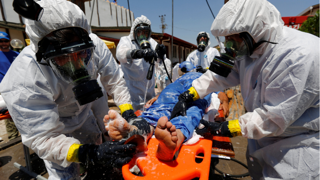 Syrian medical staff learn how to treat people in a chemical weapons attack.