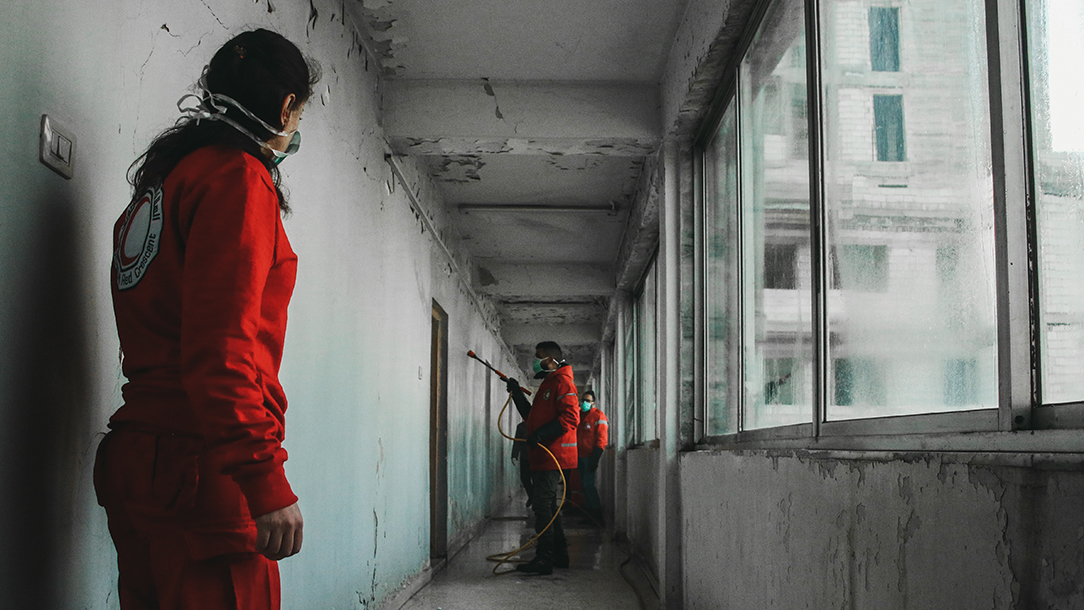 Syria Red Crescent disinfects public buildings