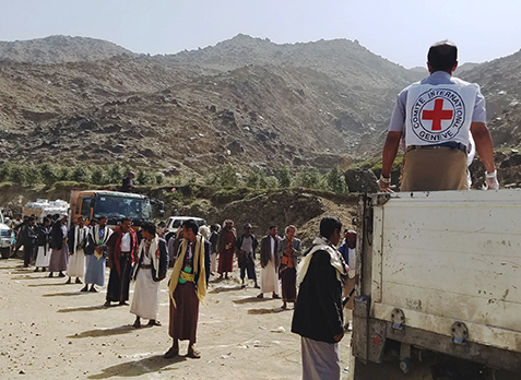 Yemen Red Crescent food distribution